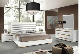 modern selections s are not manufactured by or affiliated with b b italia cassina charles and ray earnes herman miller