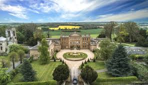 Collection from James and Sophie Perkins' 17th century Grade I country home  Aynhoe Park comes to auction at Dreweatts