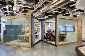 Glass conference rooms Frosted Glass Inspiring Office Meeting Rooms Reveal Their Playful Designs Liquid Indonesia Ecosia Inspiring Office Meeting Rooms Reveal Their Playful Designs Liquid