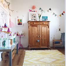 Kreatives Kinderzimmer Platz Zum Malen Und Basteln Sarahplusdrei