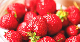 Strawberry Allergy: Symptoms, Management, and More