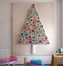DIY Wall-Mounted Christmas Tree made of Garland