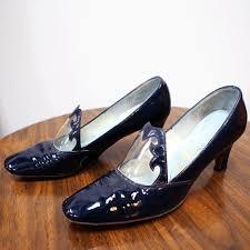 1960s navybluepatentleathershoes 1 1960s navybluepatentleathershoes 2 1960s navybluepatentleathershoes 3 1960s navybluepatentleathershoes 4