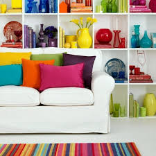 Bright colors in interior design combine - dominant and complementary shades