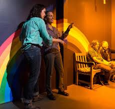 Monochromatic Light Box Monochromatic Room Exploratorium Museum Exhibits