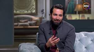 """صاحبة السعادة - الفنان أحمد حاتم يتحدث عن فيلمه الجديد """" قصة حب """" - YouTube"""
