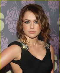 ideal quick haircuts for round faces and thick wavy hair