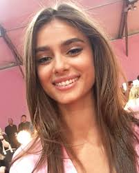 taylor hill backse victoria s secret 2016 fashion show in paris november 30 2016
