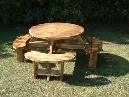 round tables and picnic benches