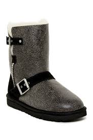 Image of UGG Classic Short Dylyn Genuine Sheepskin Boot