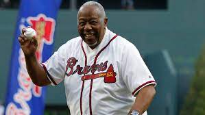 Hank Aaron says Astros who stole signs ...