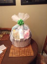 diy baby shower gift basket and bow