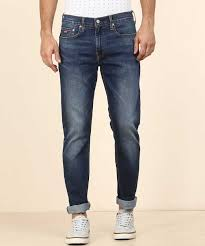 Levis Tapered Fit Men Blue Jeans