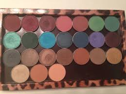 of colors gives everyone from makeup enthusiasts to beginners enough selection for variety but not so much that you get lost in the possibilities