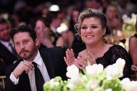 Kelly Clarkson Wants to Sell Ranch ...