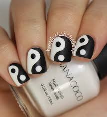 Examples Of Black And White Nail Art Pictures Of Nail Art With ...
