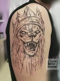 Tetování V Profesionálním Studiu Tatérka Je Výtvarnice S Mnoha Lety