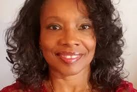 Q&A: Regina Wade Johnson, Recipient of Fontbonne Staff Excellence Award –  Fontbonne