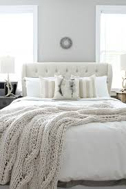 all white bedroom ideas. affordable ideas for a beautiful guest room with neutral colors at @craneandcanopy refreshrestyle.com all white bedroom
