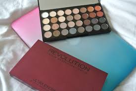 makeup revolution flawless 2 eyeshadow palette review