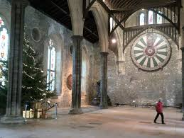 winchester great hall round table mummytravels winchester cathedral round table