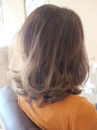 硬い髪を柔らかく見せる方法とは 香川県高松市で大人女性に人気の