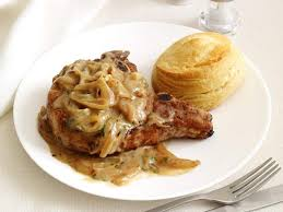 Country Pork Chop And Potatoes With Black Pepper White Gravy Country Style Smothered Pork Chops