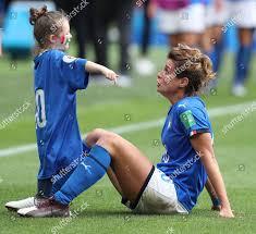 Cristiana Girelli Italy celebrates her daughter full Redaktionelles  Stockfoto – Stockbild