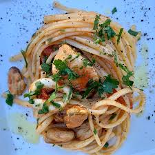 How to make seafood linguine - Italian ...