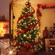 Fine Design Christmas Tree Garland Decorated Garlands Happy Holidays