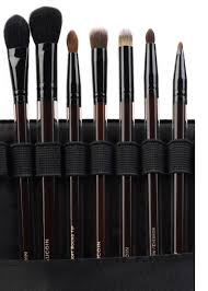 kevyn 7 brush set