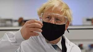 """فيروس كورونا: بريطانيا تتجه نحو رفع القيود بما فيها ارتداء الكمامة رغم  ارتفاع الإصابات بمتحور """"دلتا"""""""