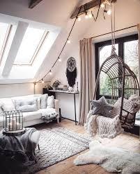 Ideen für möbel und accessoires das bett ist mittelpunkt im schlafzimmer und muss mit einer matratze ausgestattet sein, die unseren individuellen bedürfnissen. 99 Tumblr Zimmer Dachschrage Ideen Tumblr Zimmer Wohnzimmer Dekorieren Zimmer Deko Ideen