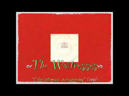 The Waitresses - Christmas Wrapping - YouTube