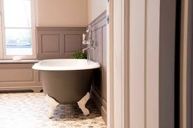 the benefits of a cast iron bathtub