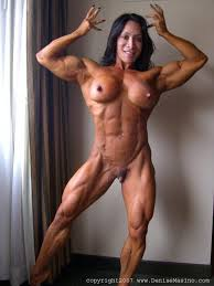 Amateur female body builder doing handjob