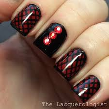Valentine's Day: Sexy Red & Black Nail Art • Casual Contrast