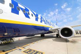 Lavoro con Ryanair come Assistenti di Volo (e non solo). Selezioni in  Italia per l'anno 2021