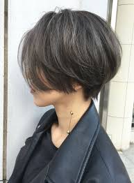 頭の形がよく見えるショートヘア20代30代の方から40代50代の主婦の方