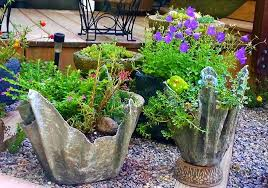 create diy cement planter using old towel or cloth