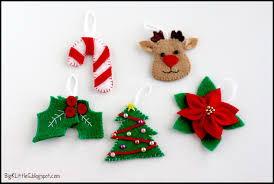 Felt Candy Cane, Reindeer, Holly Berry, Christmas Tree and Poinsettia (Set  1 out of 5):