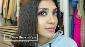 black bridal makeup artist in it s important that your makeup look its absolute best for your wedding day whether you plan to marry on a beach at noon or
