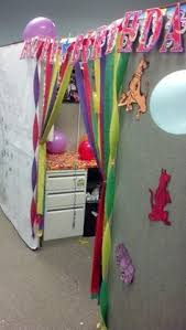cubicle office decor pink. birthdaycubicledecoratingideas how to decorate a coworkers cubicle for her birthday decorationsoffice office decor pink e