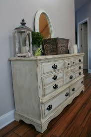 antique white chalk paintAnnie Sloan Chalk Paint in Old White with heavy application of