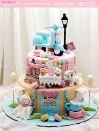 Bánh sinh nhật 2 tầng tặng sinh nhật người tuổi Tuất với phong cách tiệc  trà Tea break nhiều bánh kẹo ngọt và xe máy sành điệu 6608 - Bánh fondant