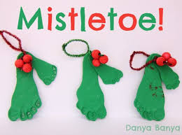 Kids Crafts Cookie Cutter Christmas Cards U0026 Decorations  Red Ted Christmas Card Craft For Children
