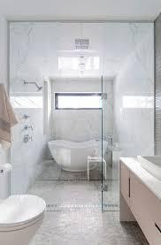 Best 20 Small Bathtub Ideas On Pinterest Small Bathroom Bathtub Impressive  on Small Bathroom Tub Ideas