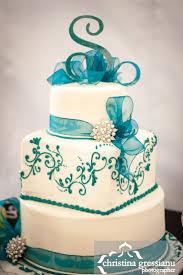 Best 25 White Square Shaped Wedding Cakes Ideas On Pinterest