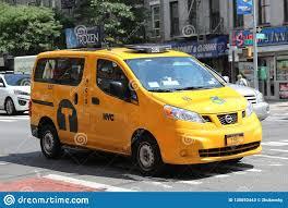 Такси Нью-Йорка в Манхэттене Редакционное Стоковое Фото - изображение  насчитывающей нью, манхэттене: 130652443