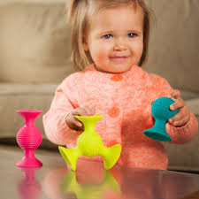 suction kupz come as a set of 6 silicone cups with suction on the bottom making the same pop sound as the pipsquigz my 10 month old and 2 year old